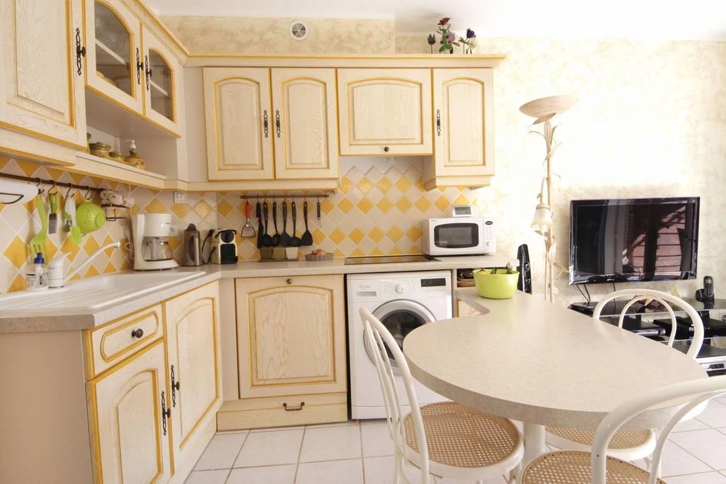 mda g3 mazet 3 pi ces r sidence les mas d 39 azur la londe les maures en location de vacances. Black Bedroom Furniture Sets. Home Design Ideas